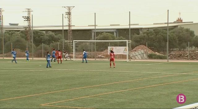 Empat+a+0+al+derbi+illenc+entre+Sporting+de+Ma%C3%B3+i+Collerense