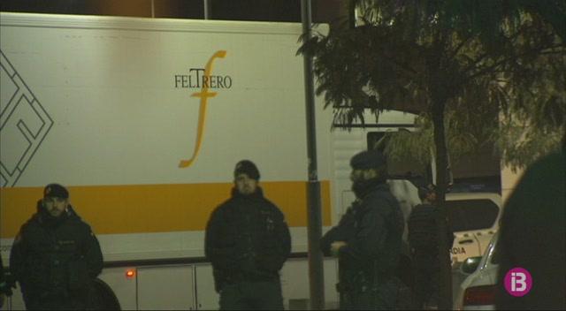 Tensi%C3%B3+i+c%C3%A0rregues+policials+pel+trasllat+de+les+44+obres+d%27art+sacre+del+Museu+de+Lleida+al+Monestir+de+Sixena