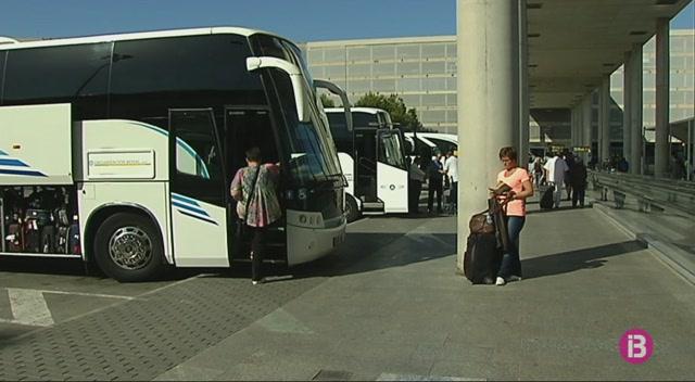 Baixen+un+20%25+les+contractacions+del+transport+discrecional+per+a+excursions