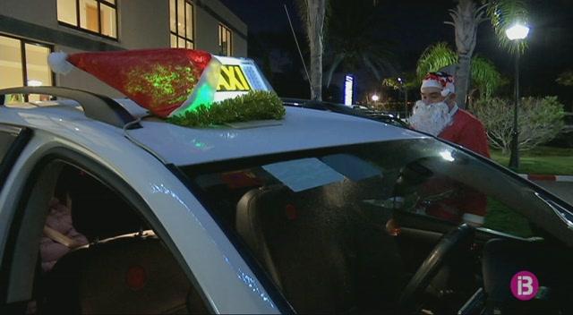 Els+majors+veuen+les+llums+de+Nadal+gr%C3%A0cies+als+taxistes+solidaris+a+Eivissa