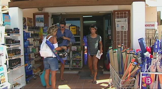 Els+turistes+de+Formentera+han+gastat+30+euros+menys+diaris