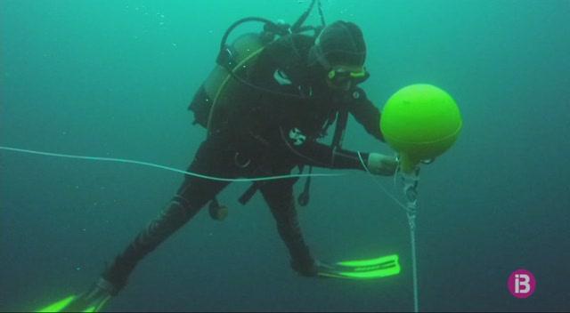 Tres+hidr%C3%B2fons+estudien+la+contaminaci%C3%B3+ac%C3%BAstica+marina+i+la+pres%C3%A8ncia+de+dofins+a+Eivissa