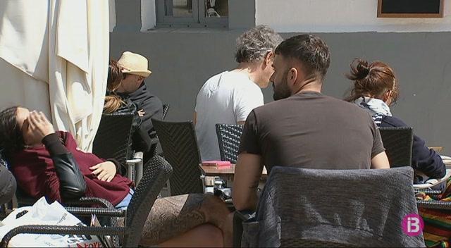 Els+restaurants++i+altres+comer%C3%A7os+es+preparen+per+a+la+temporada+tur%C3%ADstica+a+Formentera
