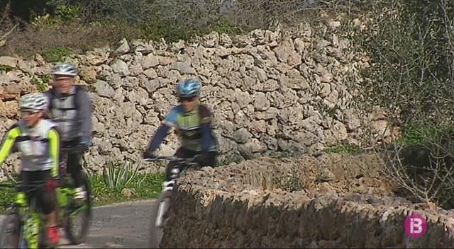 Menorca+cerca+la+titularitat+de+m%C3%A9s+d%27un+centenar+de+camins