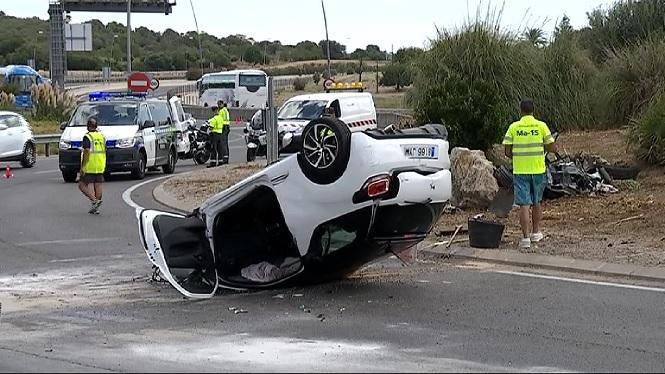 Un+cotxe+bolca+al+quil%C3%B2metre+37+de+la+carretera+de+Manacor