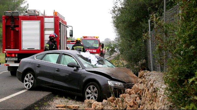 Dues+persones+han+mort+en+un+accident+de+tr%C3%A0nsit+a+la+carretera+de+Sineu