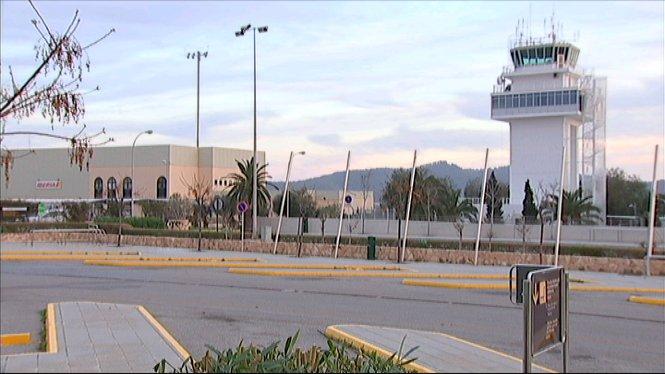 Els+tres+aeroports+illencs+es+preparen+per+a+un+any+de+r%C3%A8cords