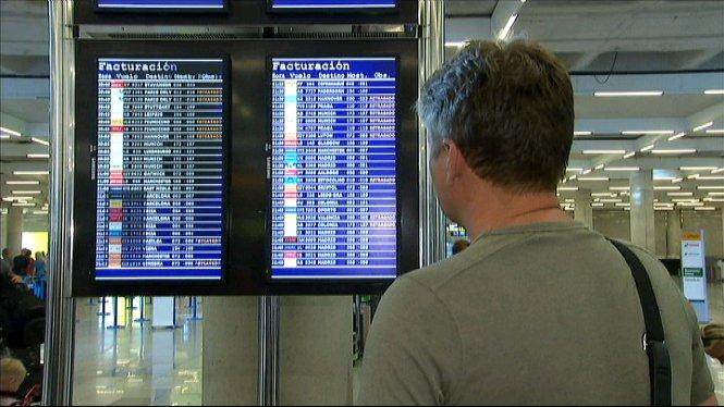 Els+aeroports+d%27Eivissa+i+de+Menorca+registren+avui+el+major+nombre+d%27operacions+i+ho+fan+amb+normalitat