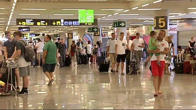 Quasi+un+mili%C3%B3+de+passatgers+passaran+pels+aeroports+de+les+Illes+Balears+aquest+cap+de+setmana