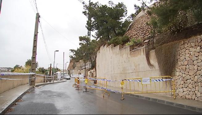 Tanquen+un+carrer+d%27Andratx+pel+perill+d%27esbucament+d%27un+mur