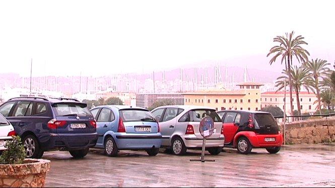 Els+ve%C3%AFnats+de+la+Seu+de+Mallorca%2C+en+peu+de+guerra+contra+la+iniciativa+de+llevar+els+aparcaments+del+Mirador+de+la+Catedral