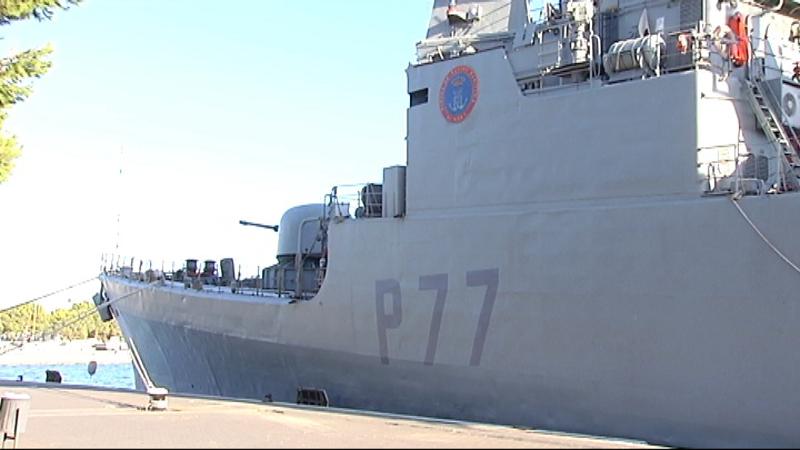 El+vaixell+Infanta+Cristina+de+les+Forces+Armades+es+pot+visitar+aquests+dies+al+port+de+Ma%C3%B3