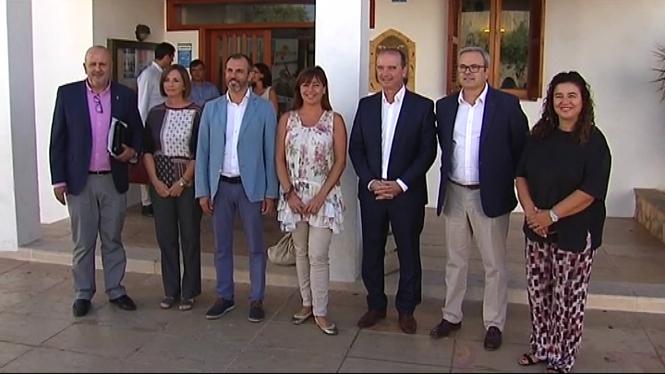 Francina+Armengol+afirma+que+des+de+les+Illes+seguiran+defensant+el+%E2%80%9Cno%E2%80%9D+a+Mariano+Rajoy
