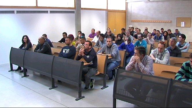 865+persones+es+presenten+a+la+prova+te%C3%B2rica+per+ser+xofers+de+l%27EMT