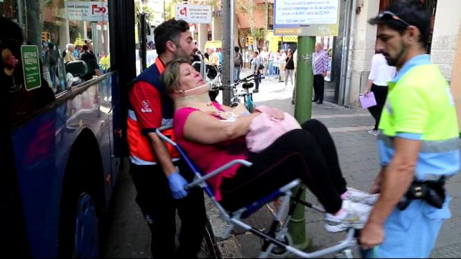 11+persones+han+resultat+ferides+en+un+accident+a+les+avingudes+de+Palma