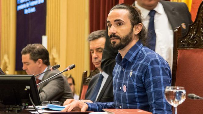 El+PP+acusa+Picornell+d%27amagar+les+invitacions+oficials+i+ell+ho+nega