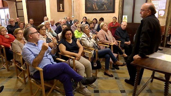 El+bisbe+de+Menorca+s%27apropa+als+ciutadans+laics+als+%E2%80%98Di%C3%A0legs+a+la+Catedral%E2%80%99