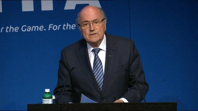 Joseph+Blatter+dimiteix+com+a+president+de+la+FIFA