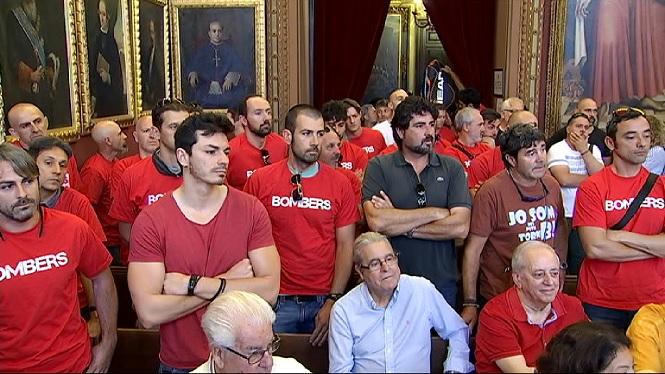 Els+bombers+de+Palma+tornen+a+protestar+al+ple+de+Cort