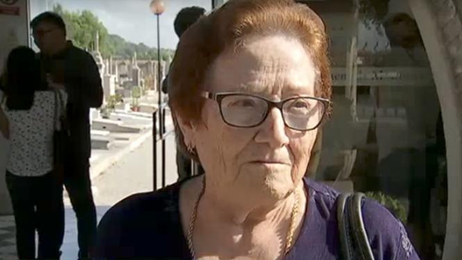 Familiars dels afusellats a Montuïri visiten les tasques d'exhumació de la fossa