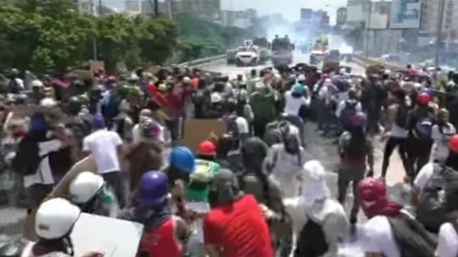Mor+una+persona+a+Caracas+en+les+protestes+de+l%27oposici%C3%B3+vene%C3%A7olana