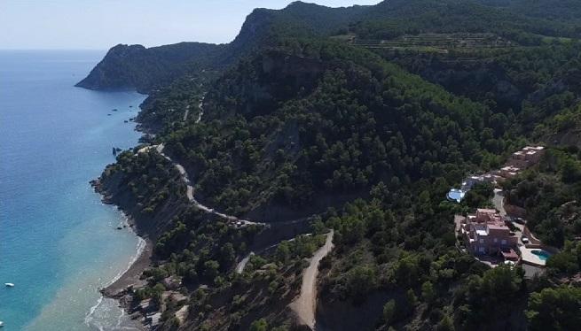 El+80+per+cent+de+les+cases+de+camp+que+estan+a+la+venda+a+Eivissa+tenen+alguna+il%C2%B7legalitat+urban%C3%ADstica