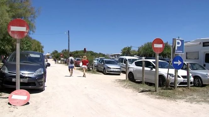 Muro+posar%C3%A0+vigil%C3%A0ncia+per+evitar+que+els+no+residents+aparquin+a+Ses+Casetes+des+Capellans