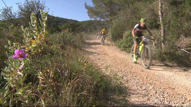 Pablo+Rodr%C3%ADguez+i+David+Valero+han+tornat+a+pujar+al+podi+de+la+Volta+Eivissa+amb+bicicleta+de+muntanya