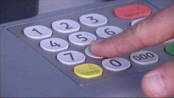 Amb+el+canvi+d%27any%2C+els+bancs+han+adoptat+un+nou+sistema+de+cobrament+de+comissions+als+no+clients