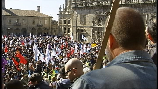 Multitudin%C3%A0ria+protesta+contra+els+incendis+a+Gal%C3%ADcia
