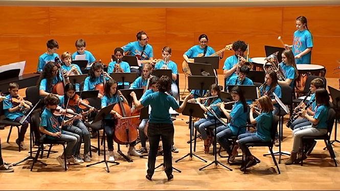 Concert+de+l%27Orquestra+Simf%C3%B2nica+de+les+Illes+amb+Maria+del+Mar+Bonet+al+passeig+del+Born+de+Palma