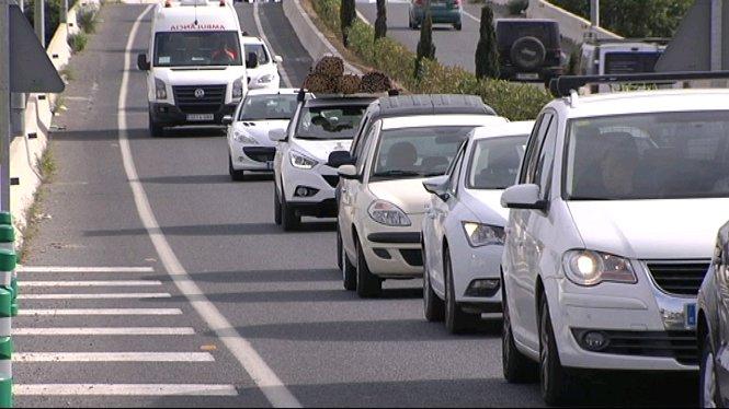 Les+Piti%C3%BCses+multipliquen+el+nombre+de+vehicles+en+carretera+i+ja+superen+els+145.000