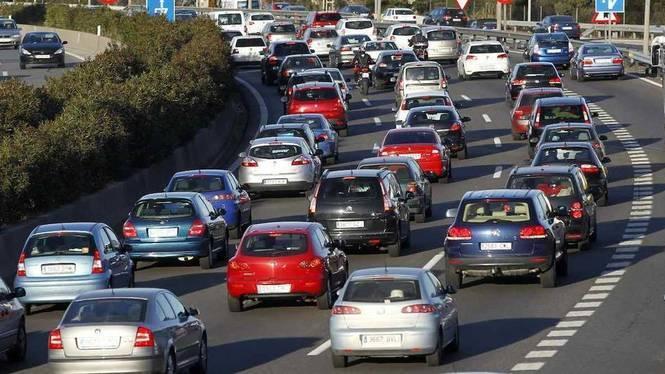 Els+balears+fan+2%2C6+milions+de+despla%C3%A7aments+diaris%3A+el+55%25+s%C3%B3n+en+cotxe+privat