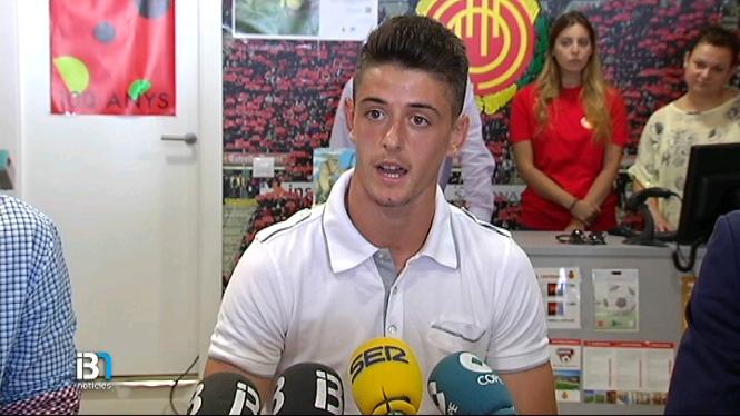 El+Mallorca+presenta+Adri%C3%A0+Dalmau
