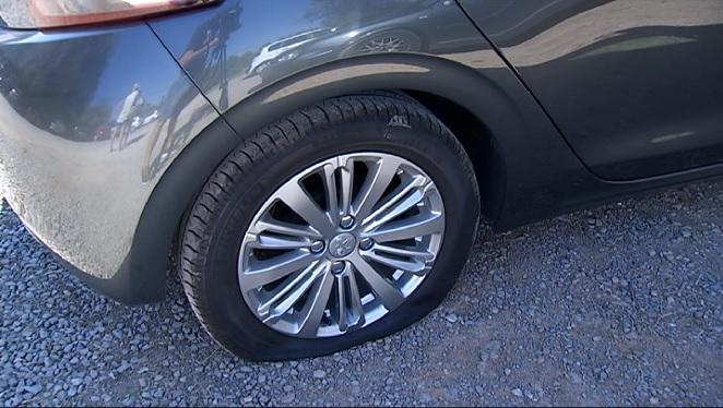 Un+home+forada+les+rodes+de+40+cotxes+al+Mal+Pas%2C+a+Alc%C3%BAdia
