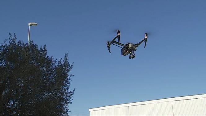 Entra+en+vigor+la+nova+normativa+que+regula+l%27%C3%BAs+de+drons+a+Espanya