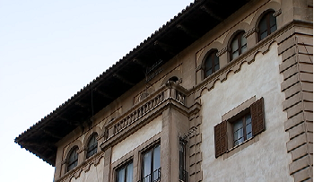 Cort+esbucar%C3%A0+un+edifici+regionalista+del+1949+del+passeig+Mallorca