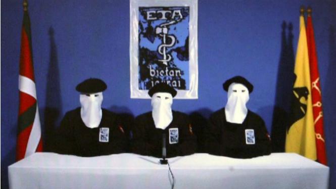 ETA+anuncia+el+seu+desarmament