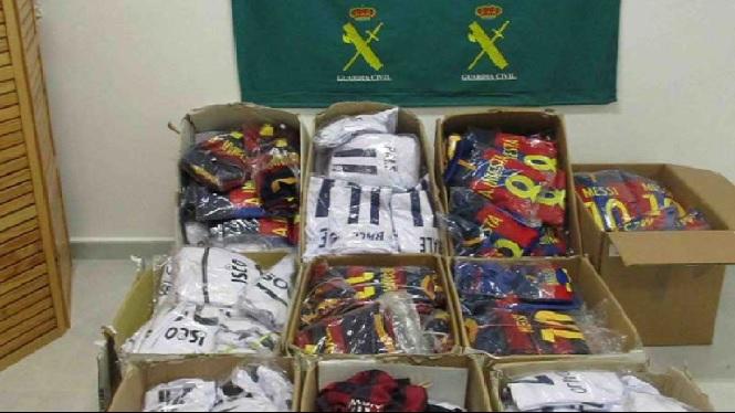 Dos+detinguts+per+posar+a+la+venda+centenars+de+productes+falsificats