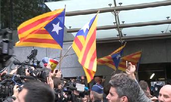 Junqueras+i+els+consellers+Rull%2C+Turull%2C+Romeva+i+Mund%C3%B3+es+reuneixen+al+Parlament