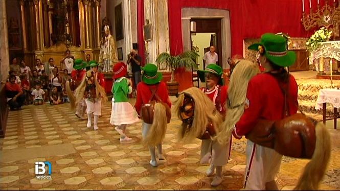 El+ball+dels+cavallets+i+els+gegants+arrodoneix+la+jornada+festiva+a+Felanitx