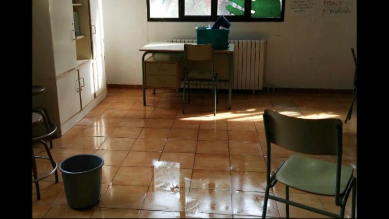 L%27escola+Joan+Benejam+de+Ciutadella+ha+patit+filtracions+com+a+conseq%C3%BC%C3%A8ncia+de+les+primeres+pluges