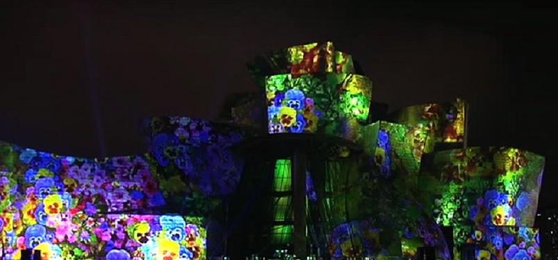 El+Guggenheim+de+Bilbao+celebra+20+anys+amb+un+espectacle+de+llum+i+so