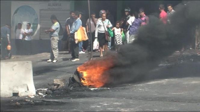 Moren+5+persones+a+Hondures+per+les+protestes+post+electorals
