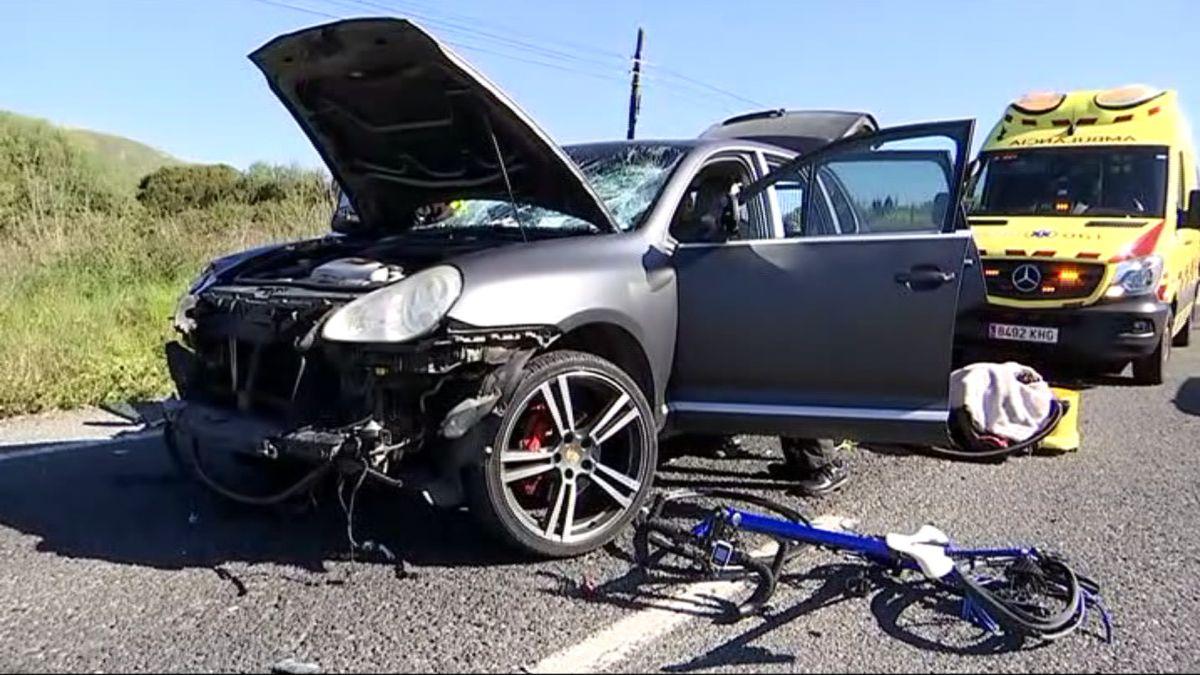 Un+vehicle+atropella+un+grup+de+ciclistes+a+Capdepera+i+en+deixa+9+ferits%2C+un+d%27ells+cr%C3%ADtic