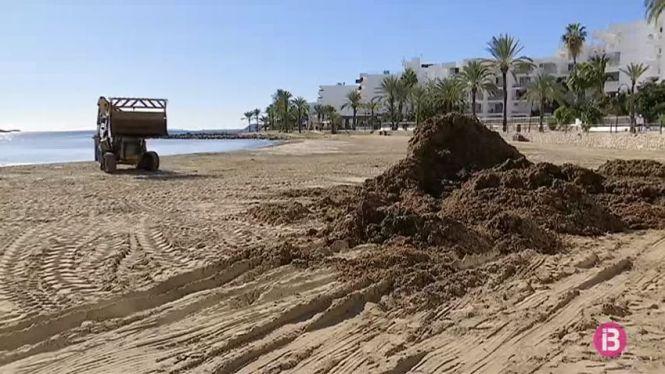 Eivissa+retornar%C3%A0+m%C3%A9s+de+9+tones+d%27arena+a+les+seves+platges