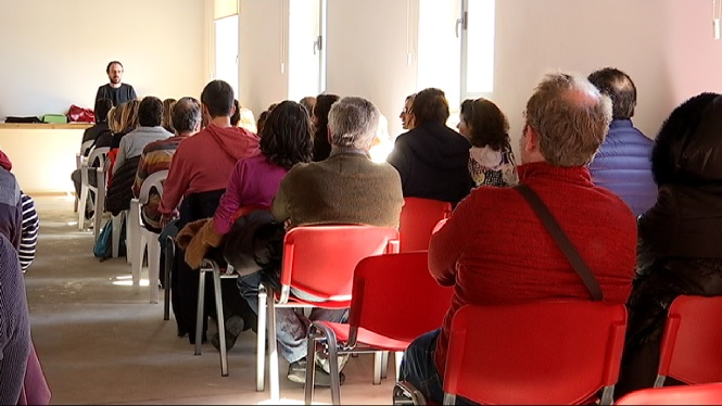Un+centenar+de+professors+interposaran+un+recurs+contra+les+oposicions+convocades+pel+Govern+per+cobrir+1.000+places