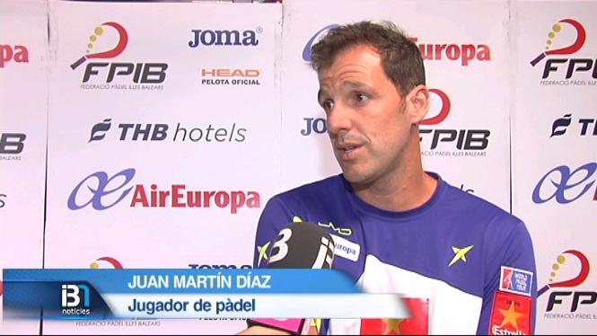 Juan+Mart%C3%ADn+D%C3%ADaz+participa+en+un+partit+ben%C3%A8fic+de+p%C3%A0del+a+Mallorca