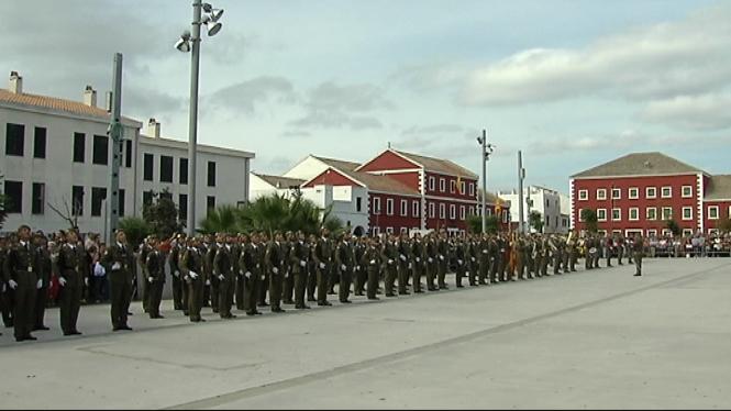 601+civils+han+jurat+la+bandera+espanyola+en+un+acte+celebrat+al+quarter+Jaume+II+de+Palma