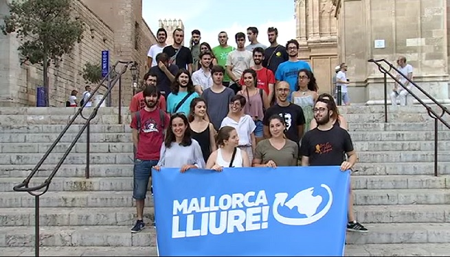 Un+grup+d%27estudiants+presenta+la+campanya+%26%238216%3BMallorca+lliure%27